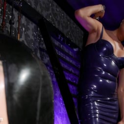 Arabelle Raphael in 'Kink TS' Jessica Fox and Arabelle Raphael: Substitute Submissive (Thumbnail 4)