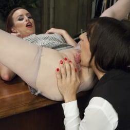 Brenda Von Tease in 'Kink TS' DEBUT PORN FOR TS BRENDA VON TEASE - She OWNS Bella Rossi's pussy (Thumbnail 3)
