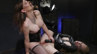 Delirious Hunter in 'Pretty Little Stray Pussycat'