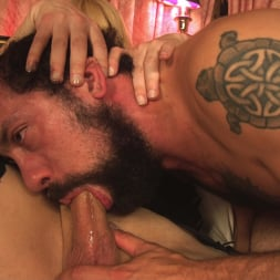 DJ in 'Kink TS' Jesse gives a hotel worker the Best Day Ever! (Thumbnail 6)