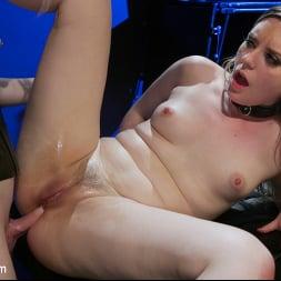 Ella Hollywood in 'Kink TS' Greedy Latex Slut: Ella Hollywood Fucks Dresden's Pussy and Ass (Thumbnail 21)