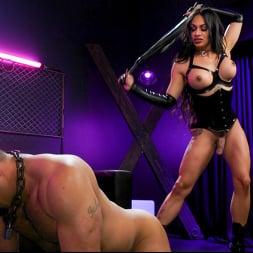 Eva Maxim in 'Kink TS' Fierce Busty Goddess Eva Maxim Fucks Man Meat Draven Navarro (Thumbnail 10)
