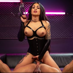 Eva Maxim in 'Kink TS' Fierce Busty Goddess Eva Maxim Fucks Man Meat Draven Navarro (Thumbnail 25)