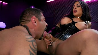 Eva Maxim in 'Fierce Busty Goddess Eva Maxim Fucks Man Meat Draven Navarro'