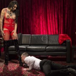 Honey FoXXX in 'Kink TS' Sensual Sex in the Champagne Room with Honey Foxxx and Lance Hart (Thumbnail 2)