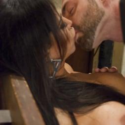 Jaquelin Braxton in 'Kink TS' Creepy Hotel, Hot Sex - Jaquelin Braxton in a Rare Switch Scene (Thumbnail 12)