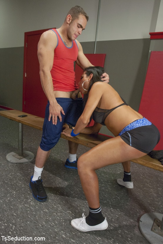 Kink TS 'trains the gym rat with Her Cock!' starring Jaquelin Braxton (Photo 2)