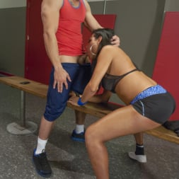 Jaquelin Braxton in 'Kink TS' trains the gym rat with Her Cock! (Thumbnail 2)