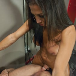 Jaquelin Braxton in 'Kink TS' trains the gym rat with Her Cock! (Thumbnail 6)