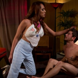 Jessica Fox in 'Kink TS' Boyfriend is obsessed with sucking TS cock! (Thumbnail 4)