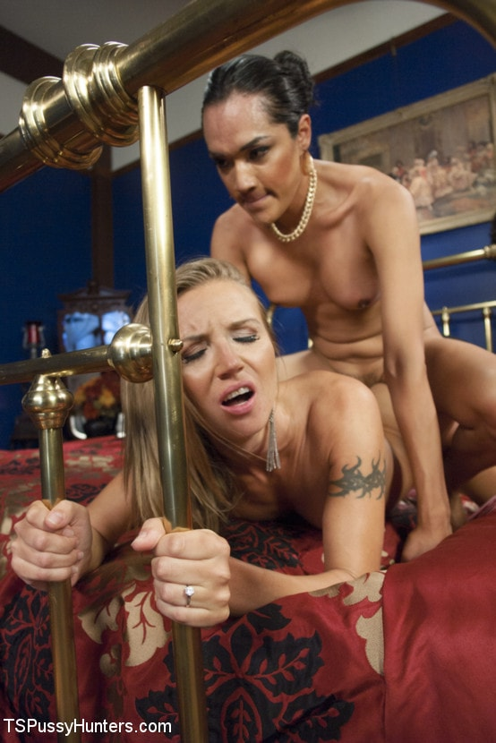 Kink TS 'Cream Pie for the Spy - Jessica Fox cums in her nemesis pussy!' starring Jessica Fox (Photo 5)