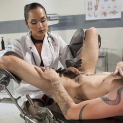 Jessica Fox in 'Kink TS' Her delicious cock is your remedy! (Thumbnail 1)