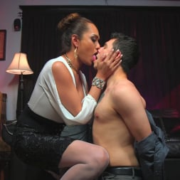Jessica Fox in 'Kink TS' Out Foxed, Flogged, And Fucked (Thumbnail 1)