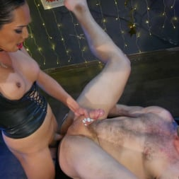 Jessica Fox in 'Kink TS' You're 86'd: Jessica Fox Fucks Muscled Troublemaker Colby Jansen (Thumbnail 16)
