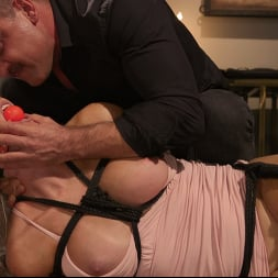 Kayleigh Coxx in 'Kink TS' Kayleigh Constrained: Kayleigh Coxx Serves Her Master Dominic Pacifico (Thumbnail 5)