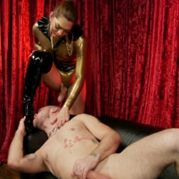 Kendra Sinclaire in 'Kink TS' Kendra Sinclaire's Holographic Love Nest (Thumbnail 15)