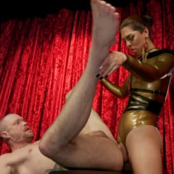 Kendra Sinclaire in 'Kink TS' Kendra Sinclaire's Holographic Love Nest (Thumbnail 20)
