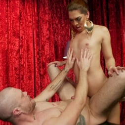 Kendra Sinclaire in 'Kink TS' Kendra Sinclaire's Holographic Love Nest (Thumbnail 25)