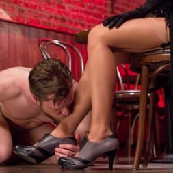 Kendra Sinclaire in 'Kink TS' demands to fuck and get fucked! (Thumbnail 15)