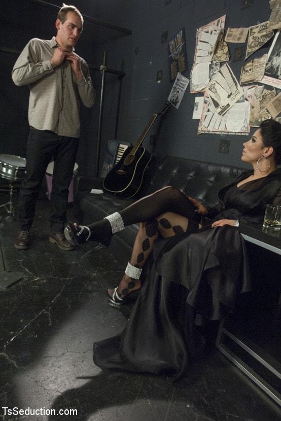 Kink TS 'Gonna Make Love in this Club - Laela Knight Fucks a Line Jumper' starring Laela Knight (Photo 2)