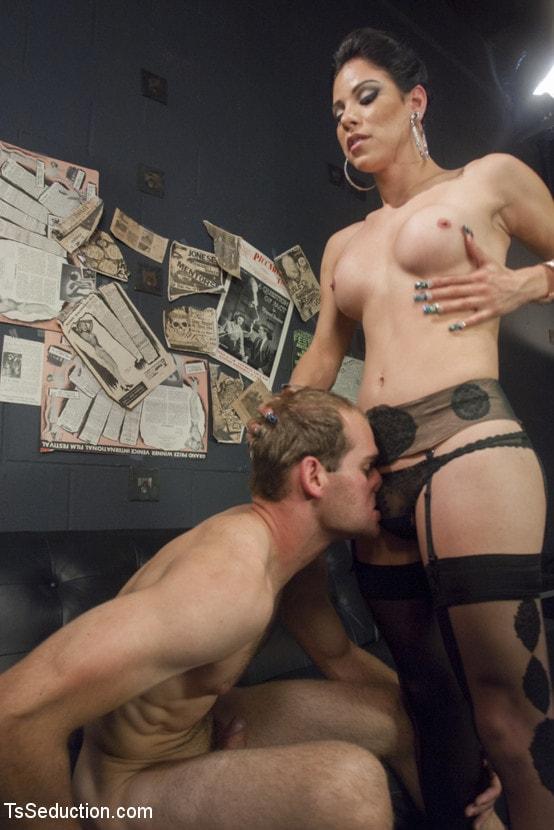 Kink TS 'Gonna Make Love in this Club - Laela Knight Fucks a Line Jumper' starring Laela Knight (Photo 5)