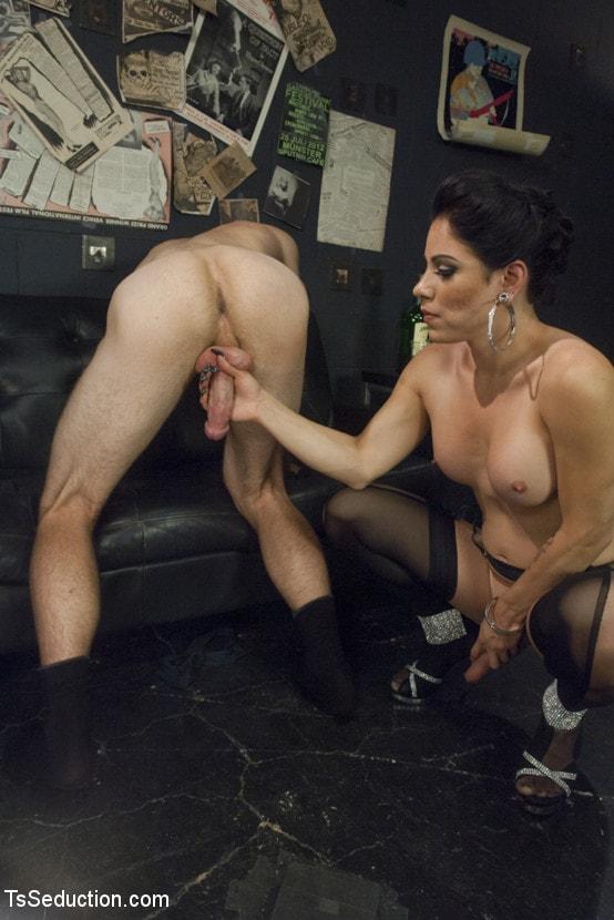 Kink TS 'Gonna Make Love in this Club - Laela Knight Fucks a Line Jumper' starring Laela Knight (Photo 12)