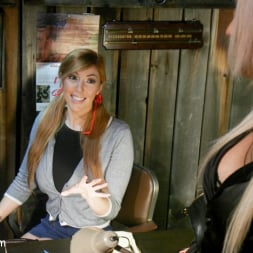Lauren Phillips in 'Kink TS' Kayleigh Coxx Punishes Peeping Motel Manager Lauren Phillips (Thumbnail 2)