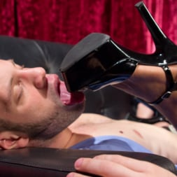 Natassia Dreams in 'Kink TS' gives lap dance of the century with her hungry cock! (Thumbnail 9)