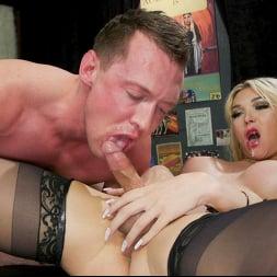 Pierce Paris in 'Kink TS' Dick Deep Diva: Aubrey Kate takes advantage of Pierce Paris (Thumbnail 20)