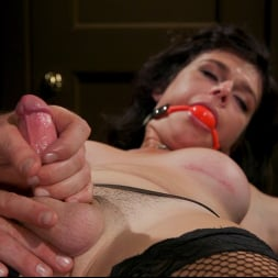 Pierce Paris in 'Kink TS' Southern Sass: Kendall Penny Submits for the First Time! (Thumbnail 5)