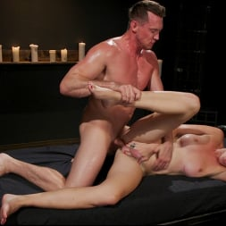 Pierce Paris in 'Kink TS' Southern Sass: Kendall Penny Submits for the First Time! (Thumbnail 17)