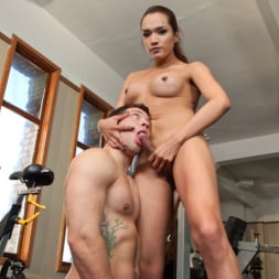 Reed Jameson in 'Kink TS' Gym Bunny Gives Horny Voyeur What He Deserves (Thumbnail 6)