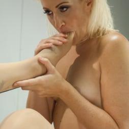 TS Foxxy in 'Kink TS' Nurse Sex - Girl on Ts Girl Action in the Hospital (Thumbnail 8)