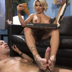 TS Foxxy in 'Kink TS' Special Sauce: Delivery Boy Fucked by TS Foxxy! (Thumbnail 19)