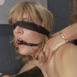 Venus Lux in 'Kink TS' Backstage Cat fight turns into hard core TS cock sucking and fucking (Thumbnail 7)