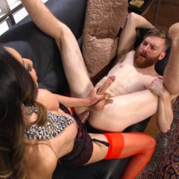 Venus Lux in 'Kink TS' Delivery Man Worships Feet and Gets Fucked (Thumbnail 17)