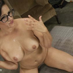 Venus Lux in 'Kink TS' Horny Electricians get their hands dirty (Thumbnail 15)