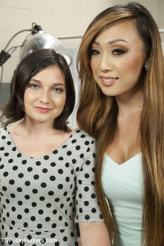 Kink TS 'Plastic Surgeon Seduction - Venus Feels UP her Patient!' starring Venus Lux (Photo 1)
