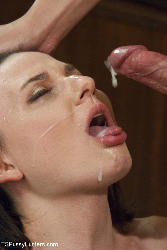 Kink TS 'Plastic Surgeon Seduction - Venus Feels UP her Patient!' starring Venus Lux (Photo 15)