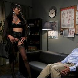 Venus Lux in 'Kink TS' Quit Yer Bitchin': Venus Lux Tops Draven Navarro (Thumbnail 1)