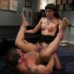 Venus Lux in 'Kink TS' Quit Yer Bitchin': Venus Lux Tops Draven Navarro (Thumbnail 17)