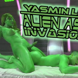 Yasmin Lee in 'Kink TS' Close Encounters of a Kinky Kind- Yasmin Lee Alien Ass Invasion! (Thumbnail 1)
