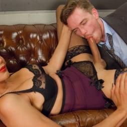 Yasmin Lee in 'Kink TS' Devastatingly Gorgeous Secretary Punishes Sexist Boss Pig! (Thumbnail 2)