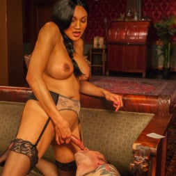 Yasmin Lee in 'Kink TS' The House Special: Yasmin Lee Treats Will Havoc To a Hard Surprise (Thumbnail 19)