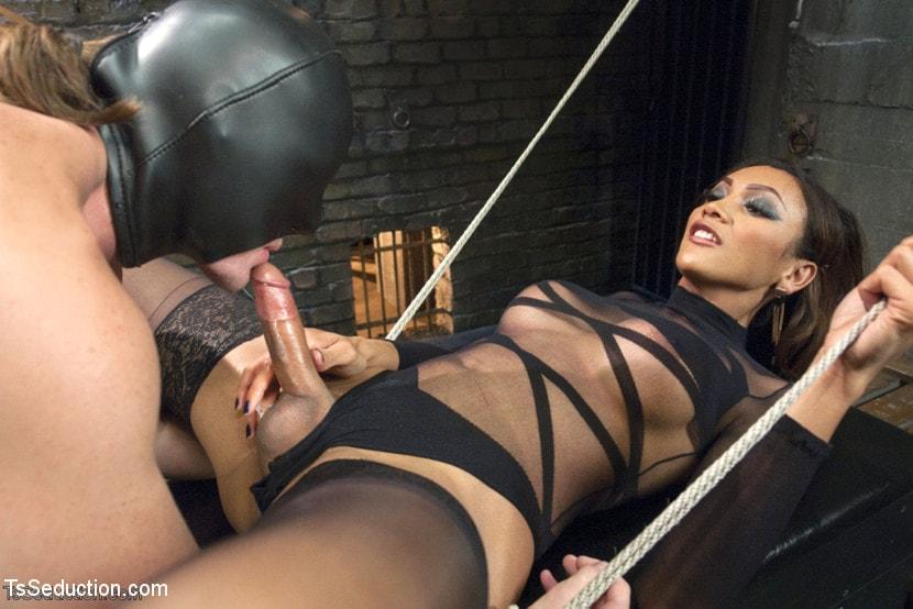 Kink TS 'and Her Powerful Cock' starring Yasmin Lee (Photo 5)
